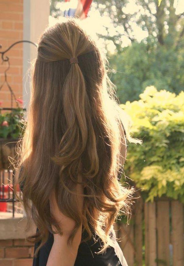 cabello largo en cola de caballo