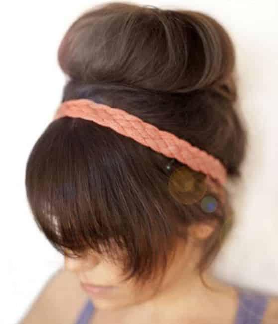 peinado recogido con accesorio