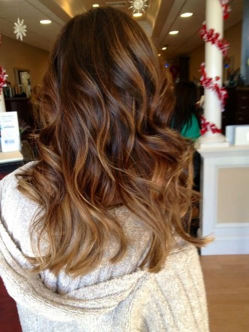pelo liso peinado suelto