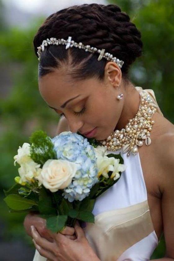 trenzas recogidas en la cabeza peinados de novia