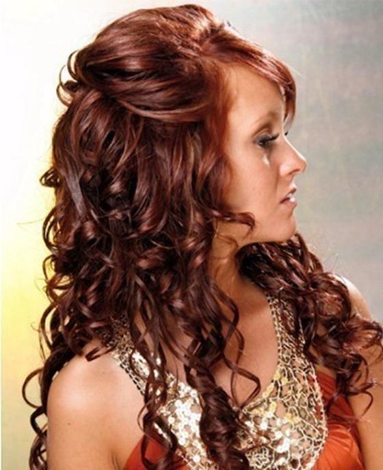 Peinados de fiesta para cabello largo ondulado