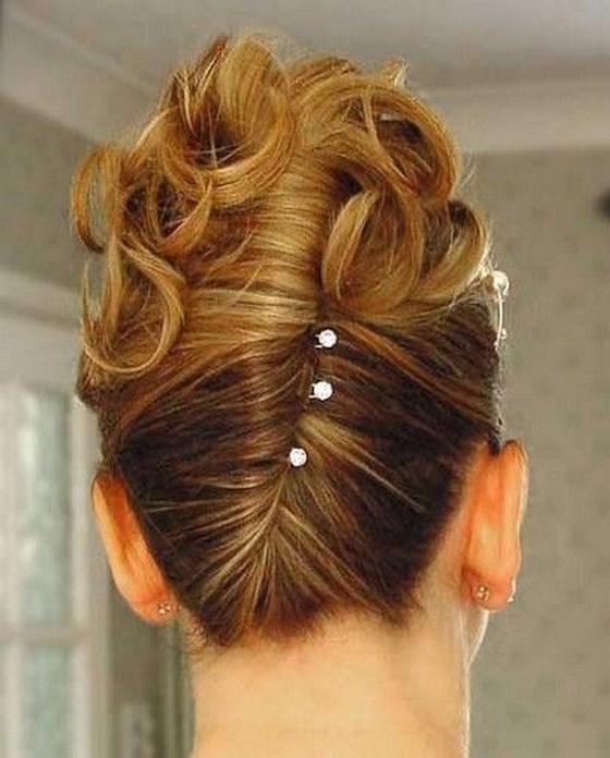 genial peinado para damas de honor