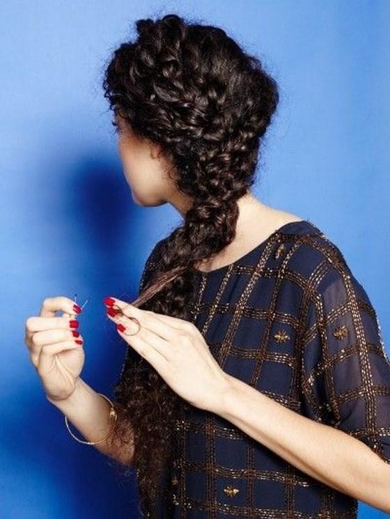 peinado trenzado con cabello crespo