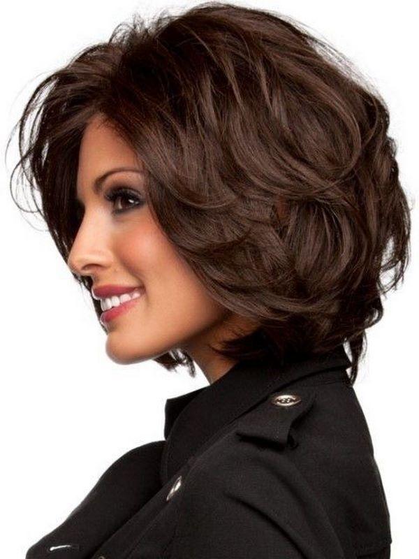 cabello corto ondulado