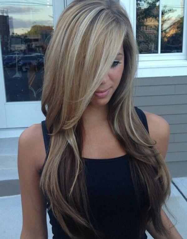 corte de cabello largo con flequillo