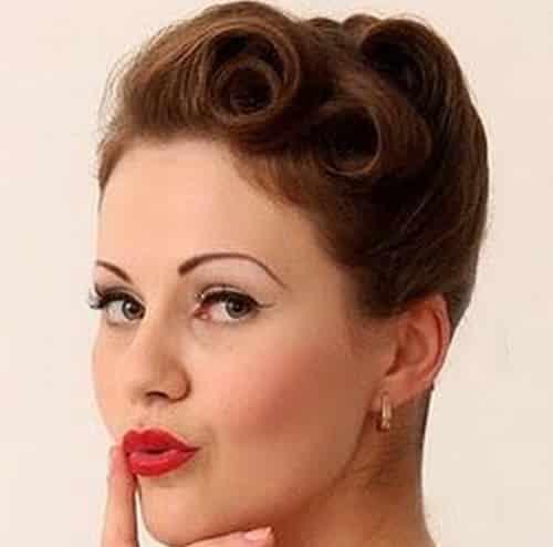 Hermosos peinados de los años 60 que podrás usar hoy