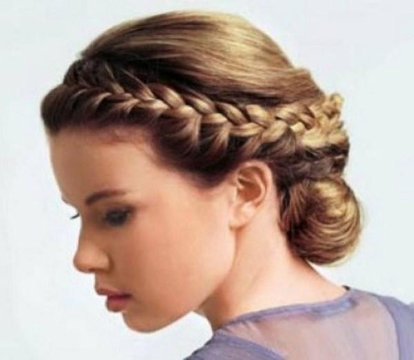 cabello trenzado con estilo griego