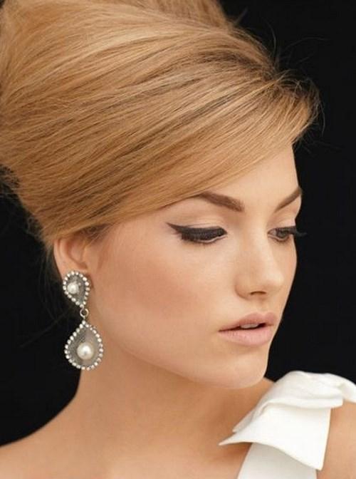 elegante peinado estilo 60s