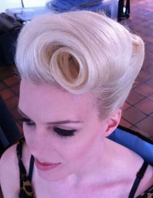 peinado de los años 60 para cabello medio