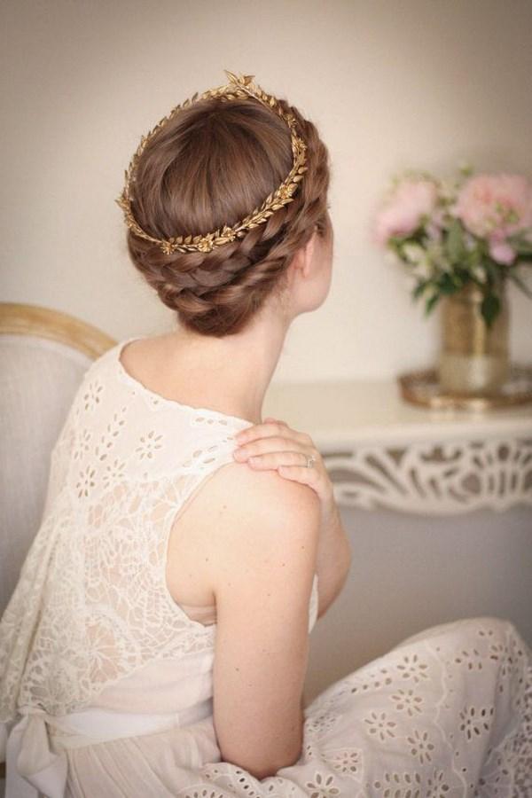 peinado recogido con accesorios estilo griego