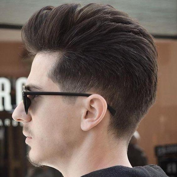 Corte de pelo copete para hombre