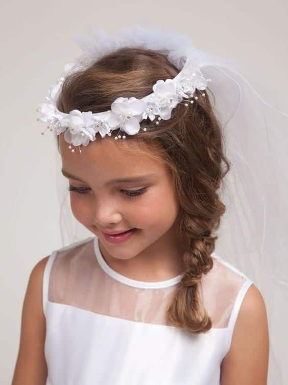 Peinados para nina de comunion con corona