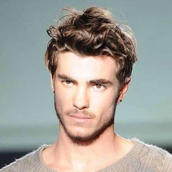 2. Peinados Para Cabello Crespo De Hombre