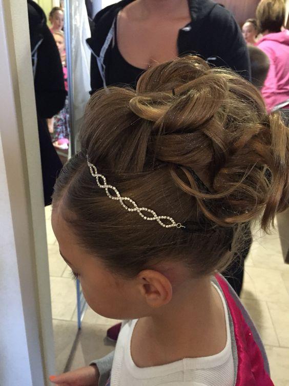 Damas De Honor Peinados Para Niñas (1)
